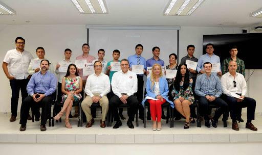 Premia Cedes a ganadores del Campus Eficiente Challenge